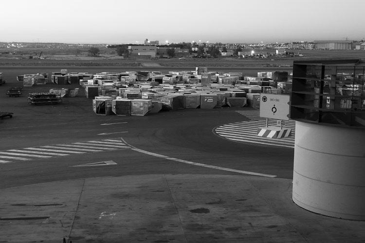 Contenedores. Aeropuerto de Barajas. Madrid2007