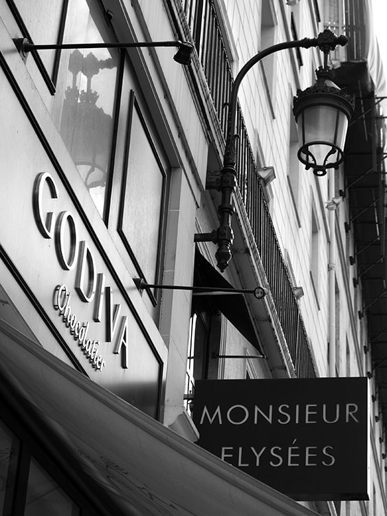 Godiva Chocolatier. Paris 2007