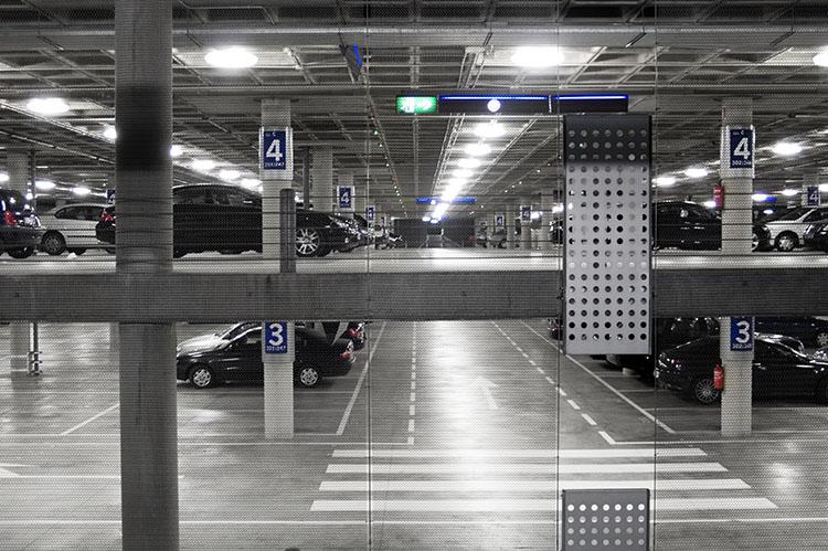 Modulo de aparcamientos. T4, aeropuerto de Barajas. Madrid 2008